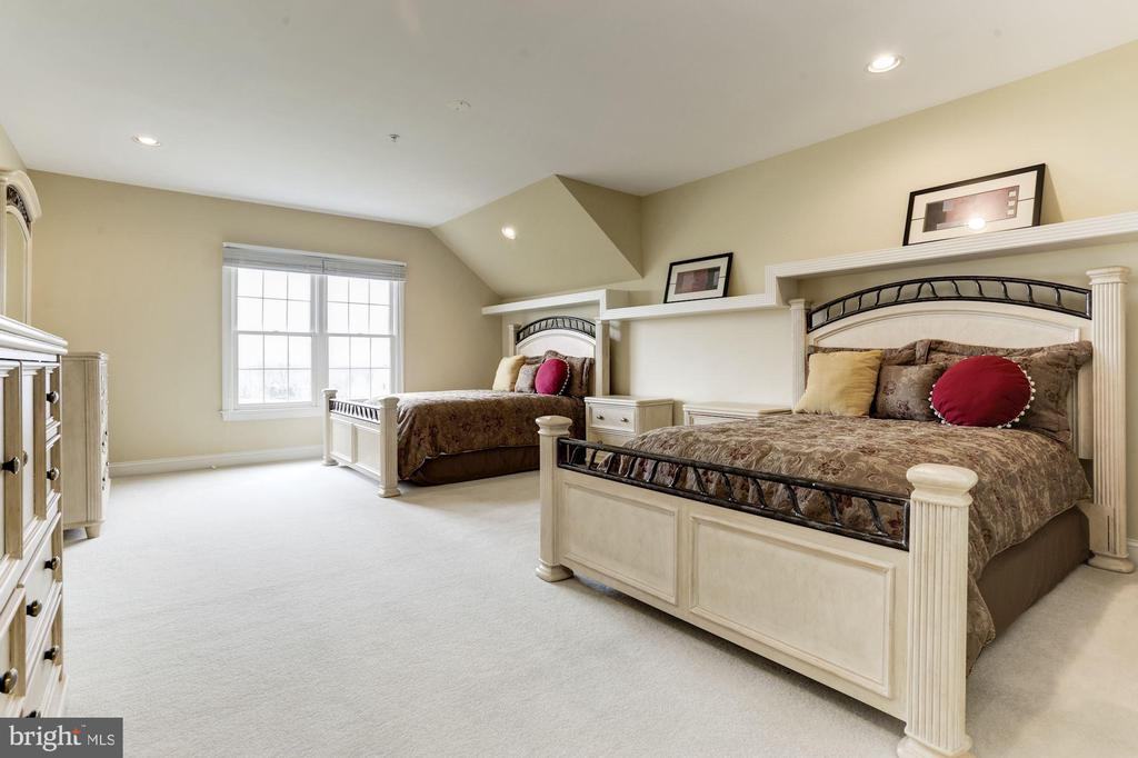 Upper floor additional bedroom - 14943 FINEGAN FARM DR, DARNESTOWN