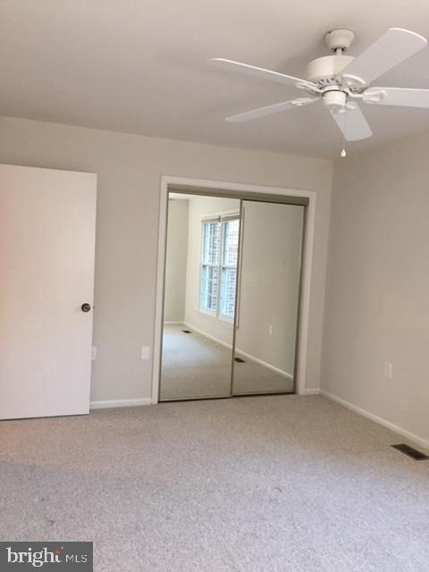 Spacious master bedroom  with ceiling fan - 2550-B S ARLINGTON MILL DR #B, ARLINGTON