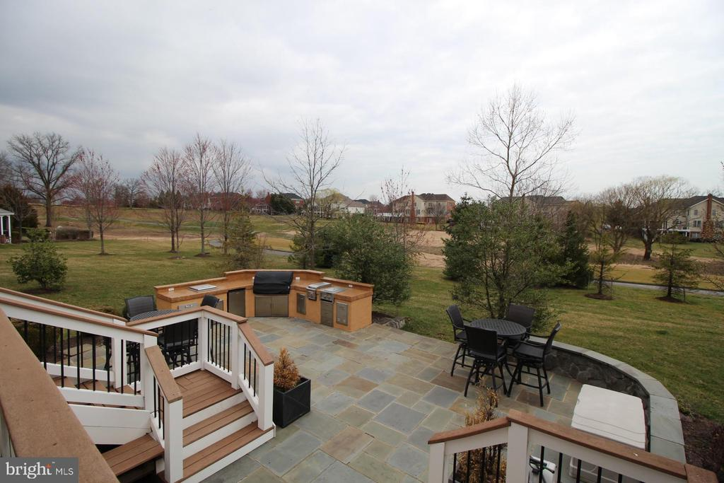 Outdoor Patio and Trex Deck - 19876 BETHPAGE CT, ASHBURN