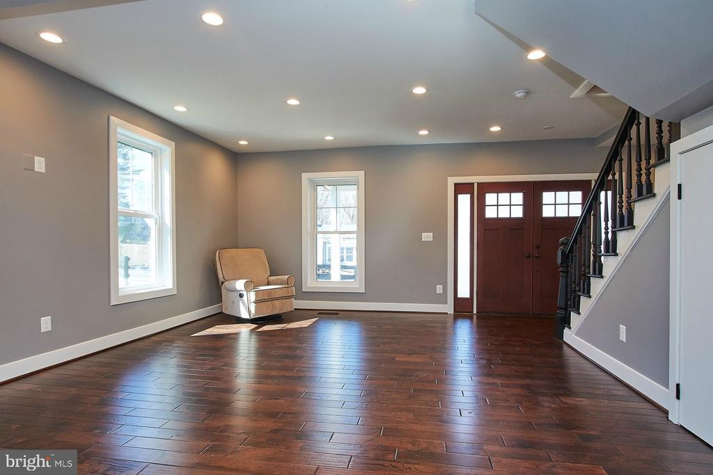 Living Room - 70 N LAYCOCK ST, HAMILTON