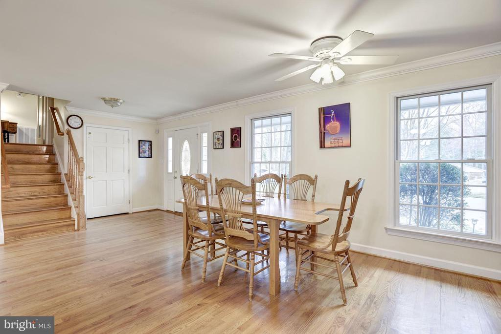 Dining Room and Main Door Entry - 1401 EARNSHAW CT, RESTON