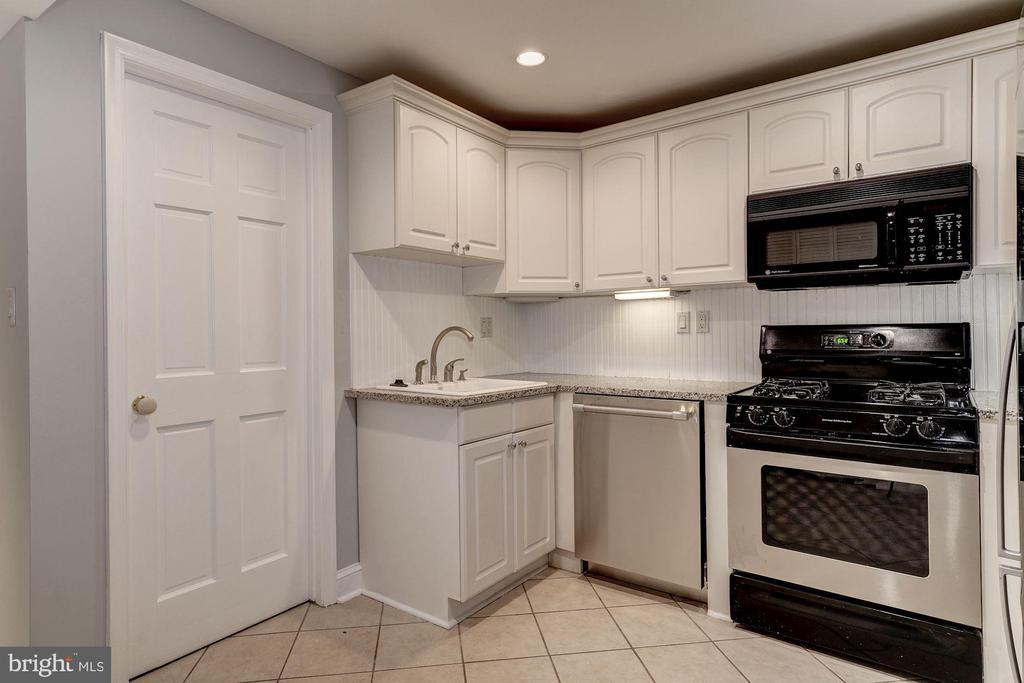 Lower Level Kitchenette - 3315 O ST NW, WASHINGTON