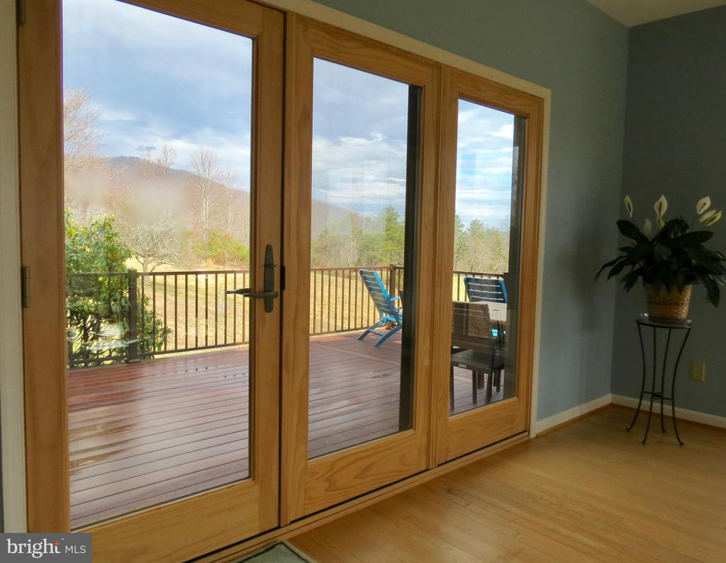 French doors from LR to deck - 335 FODDERSTACK RD, WASHINGTON