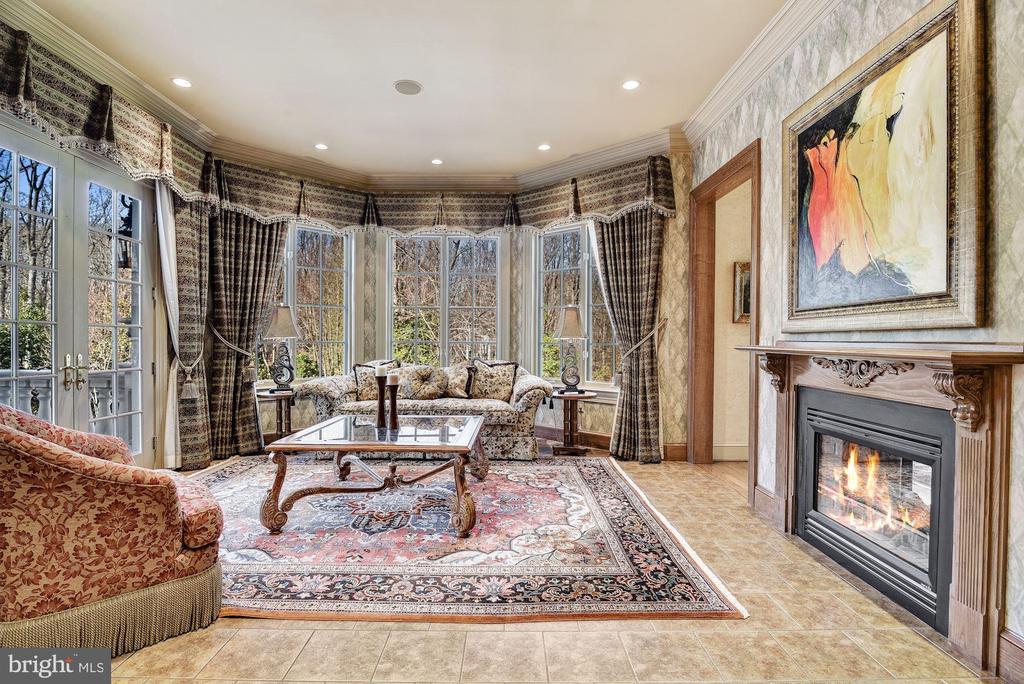 2-Sided Fireplace Shared w/Adjacent Sun Room - 896 ALVERMAR RIDGE DR, MCLEAN