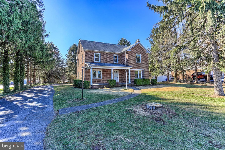Single Family Homes για την Πώληση στο 6758 LINCOLN HWY W W Thomasville, Πενσιλβανια 17364 Ηνωμένες Πολιτείες