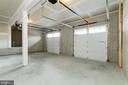 Oversized garage w extra storage space - 6720 ACCIPITER DR, NEW MARKET