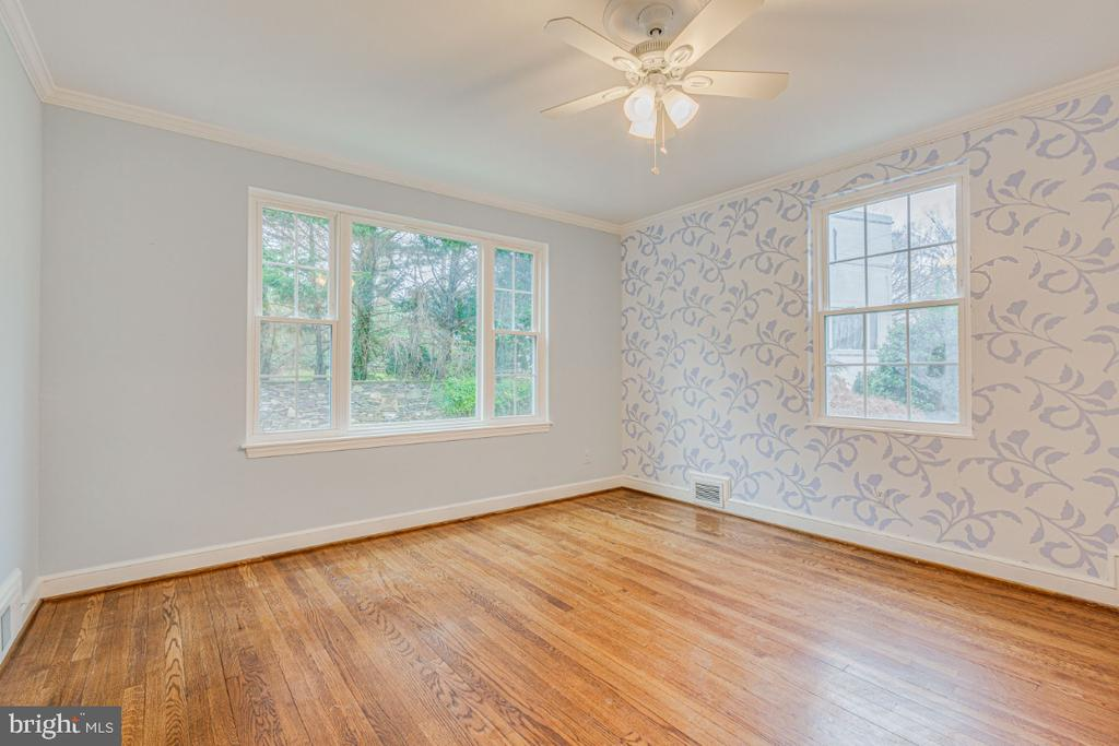 third bedroom on upper level - 9701 CONNECTICUT AVE, KENSINGTON