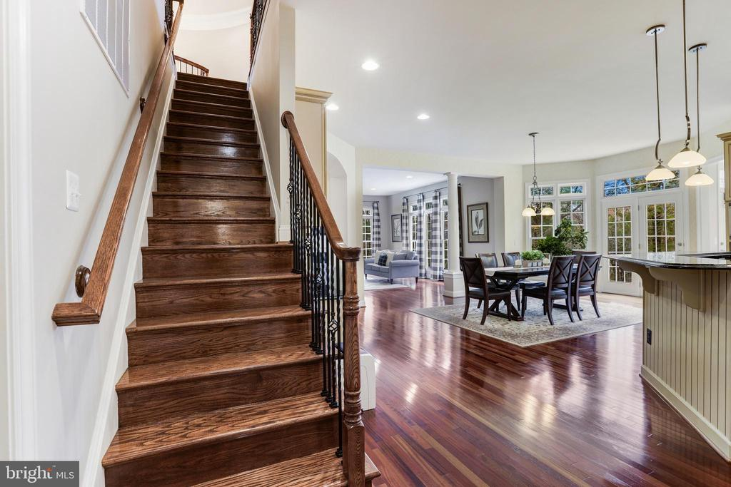 Second Staircase - 27651 EQUINE CT, CHANTILLY