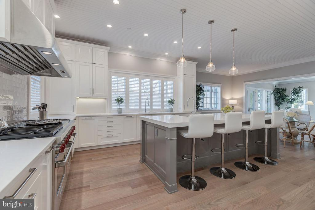 Gourmet chef's kitchen - 4909 FALSTONE AVE, CHEVY CHASE