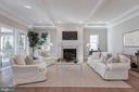 Beautiful big family room open to kitchen - 4909 FALSTONE AVE, CHEVY CHASE