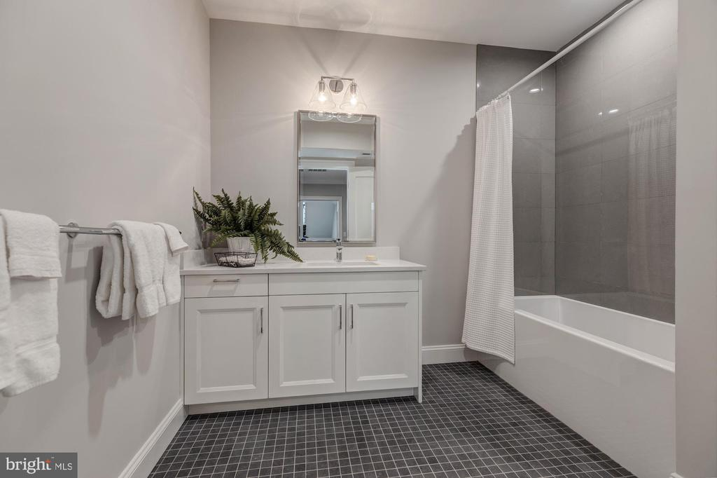 Lower level bath - 4909 FALSTONE AVE, CHEVY CHASE