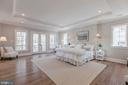 Large owner's bedroom with private balcony - 4909 FALSTONE AVE, CHEVY CHASE