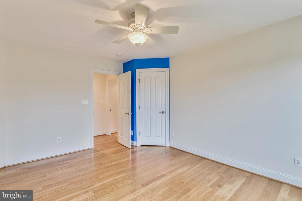 Upper Level 2 Bedroom - 1831 ELGIN DR, VIENNA