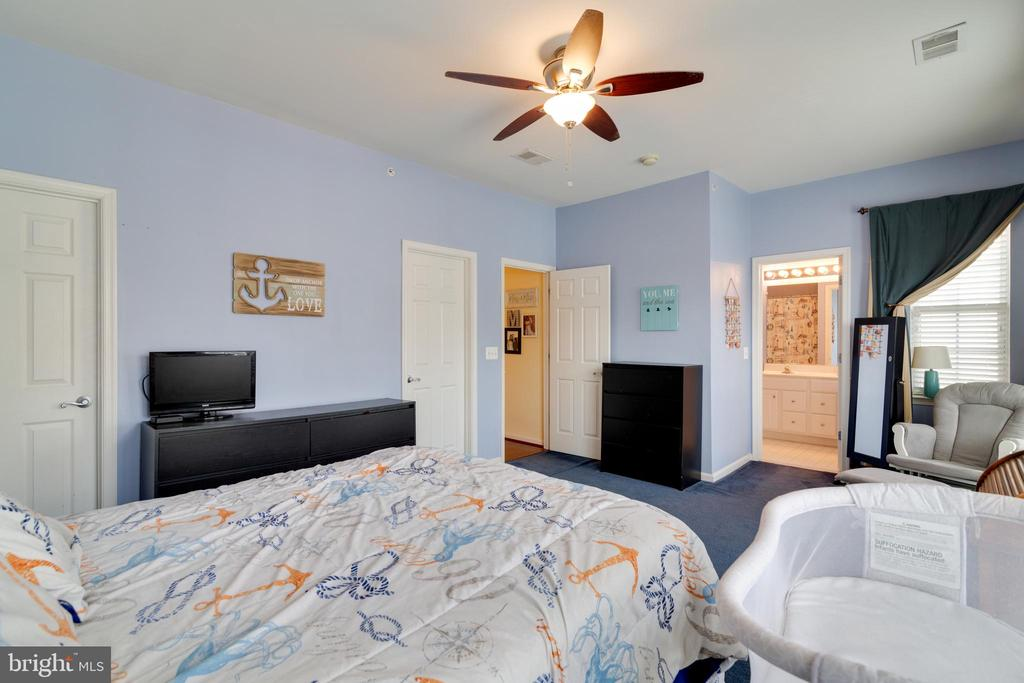 Master Bedroom with 2 closets - 13949 HOLLOW WIND WAY #201, WOODBRIDGE
