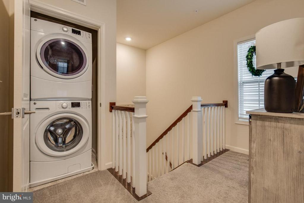 Upper Level Laundry - 23290 MILLTOWN KNOLL SQ #106, ASHBURN