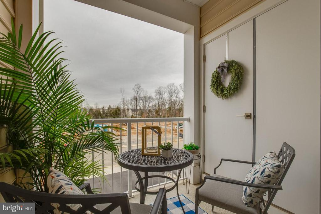 Covered Balcony - 23290 MILLTOWN KNOLL SQ #106, ASHBURN
