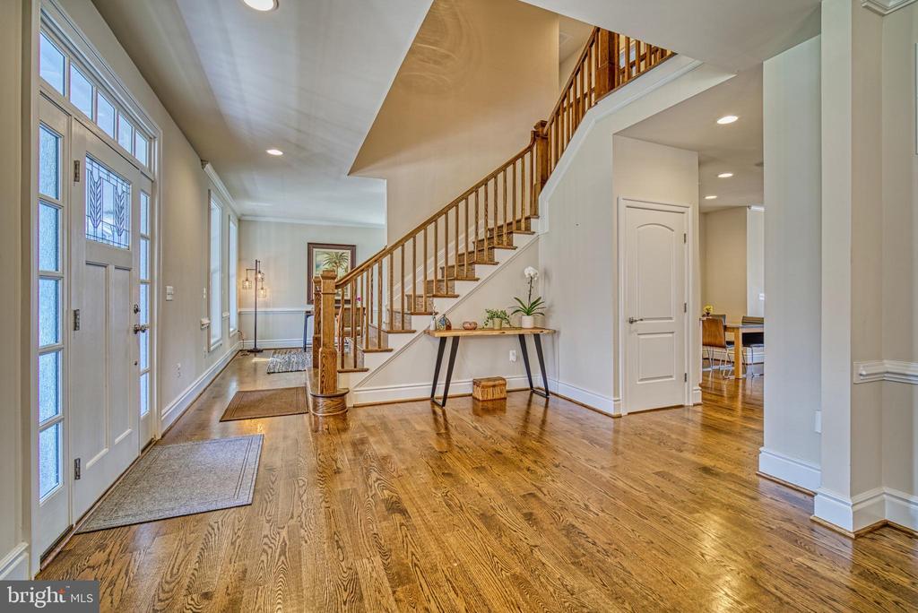 Hardwood floors throughout main level - 11252 RAMROD RD, WOODBRIDGE