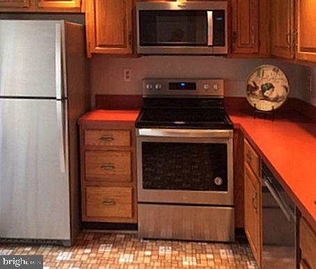 All Brand new stainless appliances - 2550-B S ARLINGTON MILL DR #B, ARLINGTON