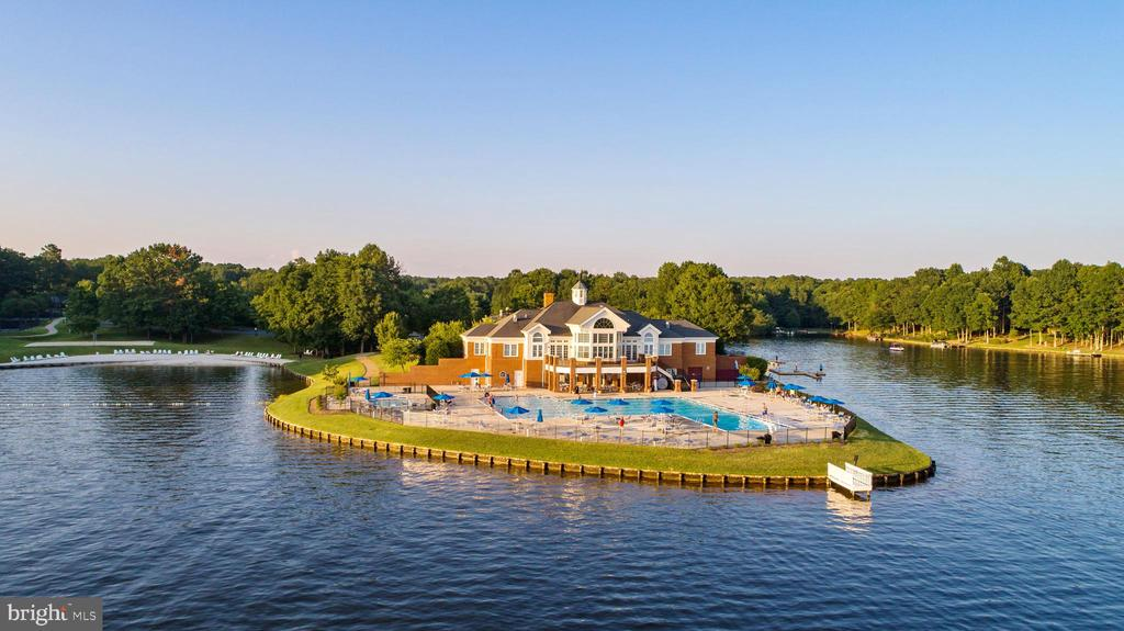 Fawn Lake Club House, Beach, Mooring Docks & Pools - 10810 PERRIN CIR, SPOTSYLVANIA