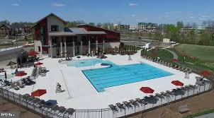 Home Owners Association Outdoor Pool - 44536 STEPNEY DR, ASHBURN