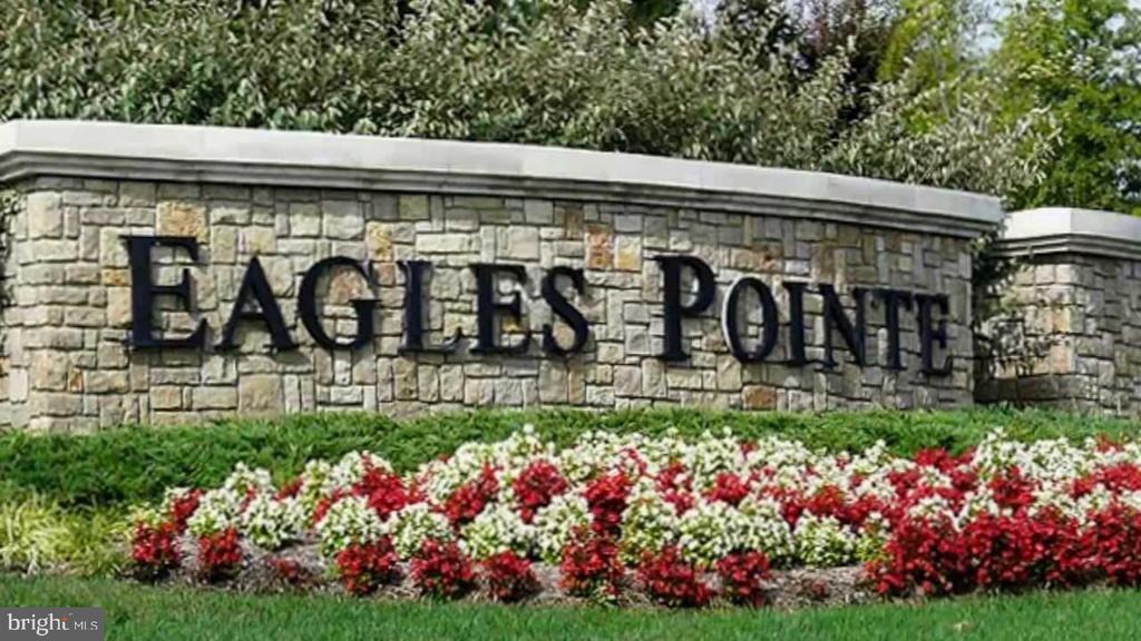 Distinctive Eagles Pointe Community - 3499 EAGLE RIDGE DR, WOODBRIDGE