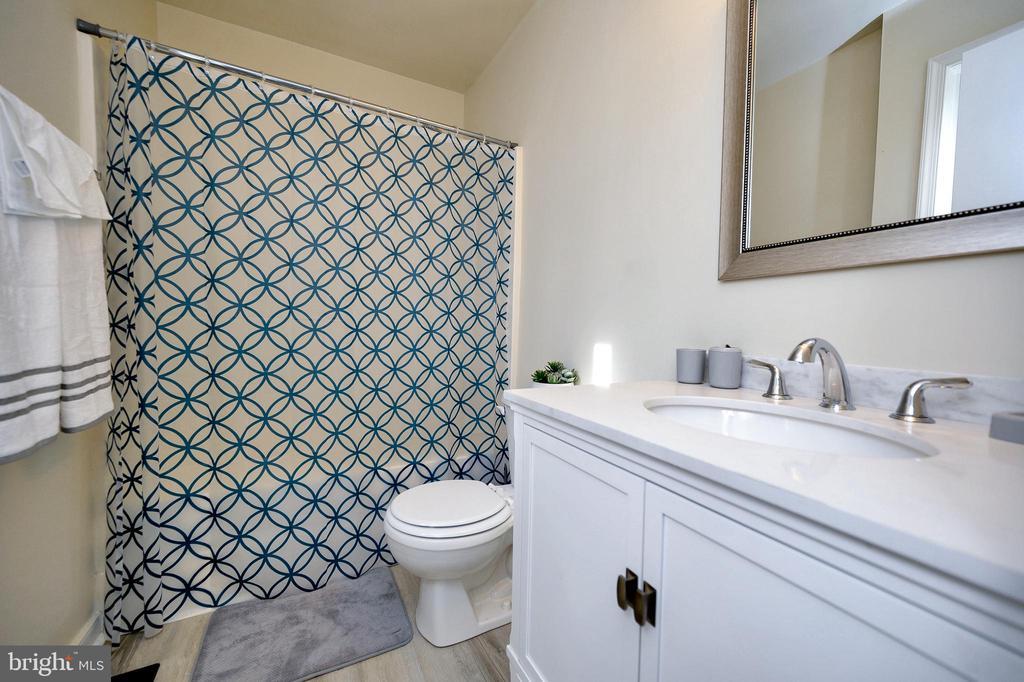 Master Bathroom - 61 LITTLE FOREST CHURCH RD, STAFFORD