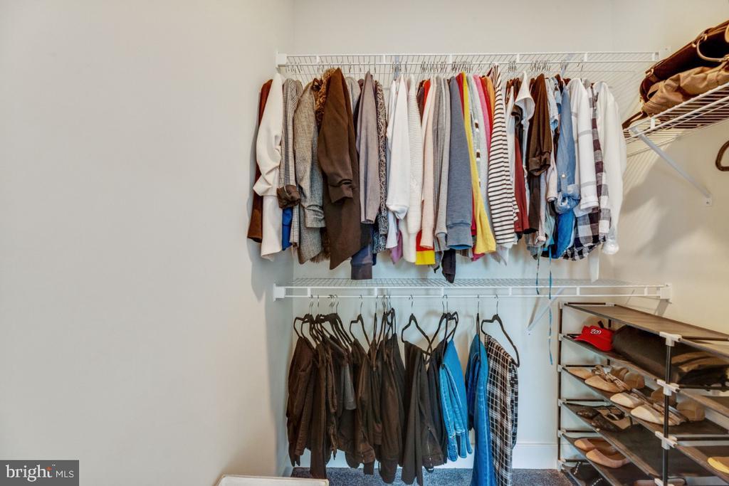 Walk-in closets (TWO) in master suite - 420 NOTTOWAY WALK, ALEXANDRIA