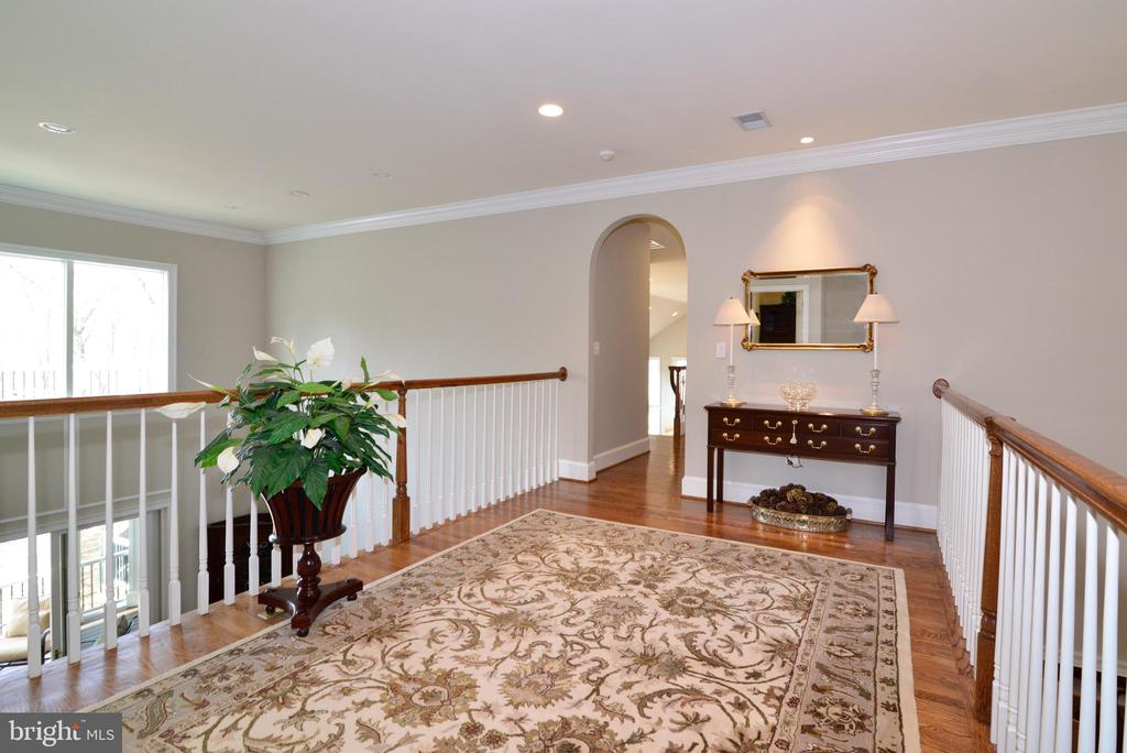 - 40293 BEACON HILL DR, LEESBURG
