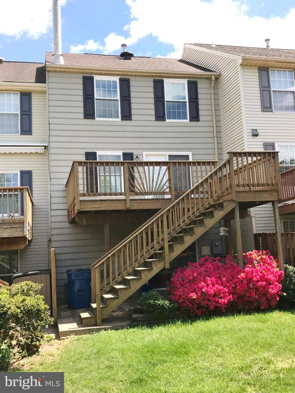 Rear With Deck And Patio Backing To Common Area - 43994 CHOPTANK TER, ASHBURN