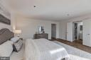 Master suite - 1401 N OAK ST #302, ARLINGTON
