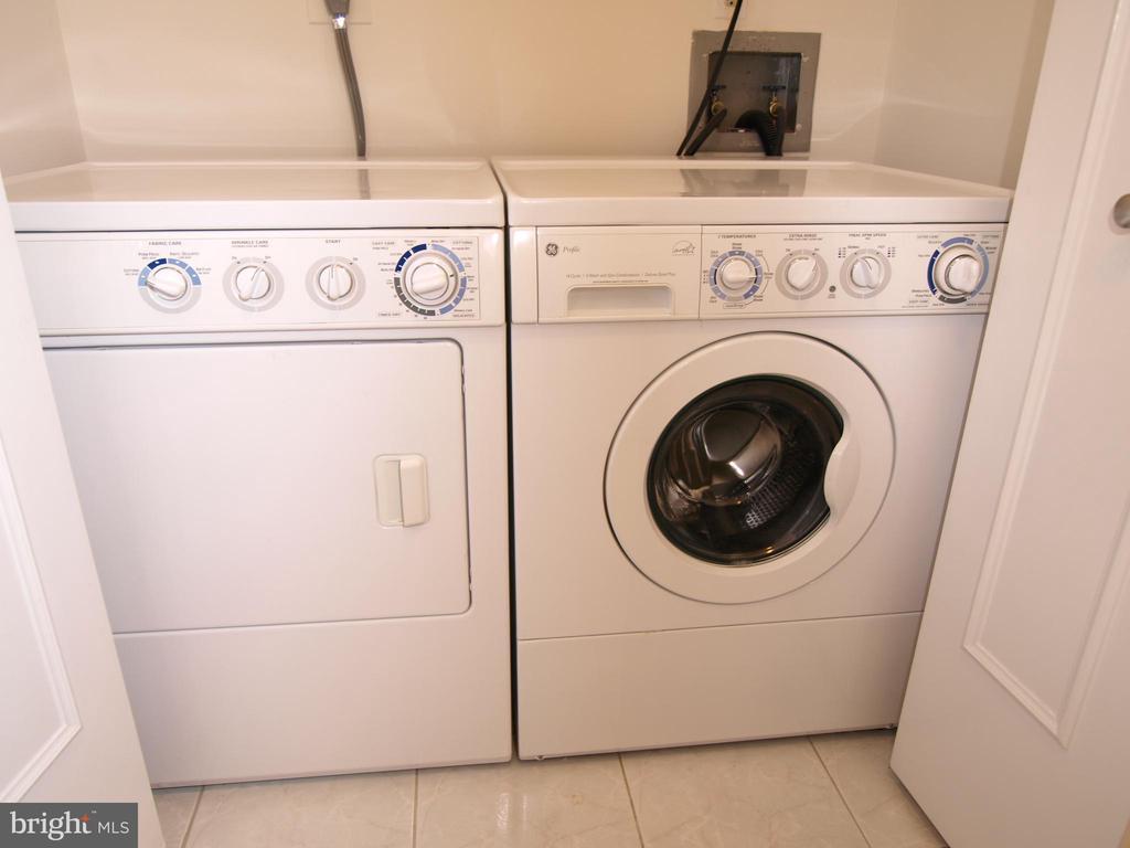 Laundry - 5802 NICHOLSON LN #2-507, ROCKVILLE