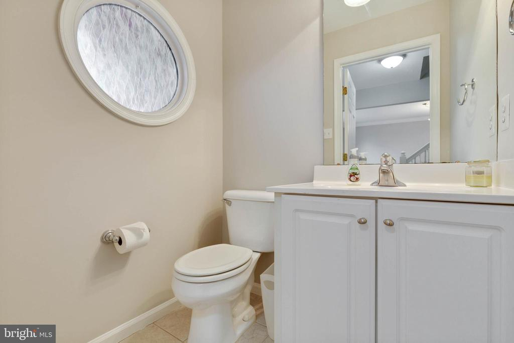 Powder Room on Main Level - 20747 CITATION DR, ASHBURN