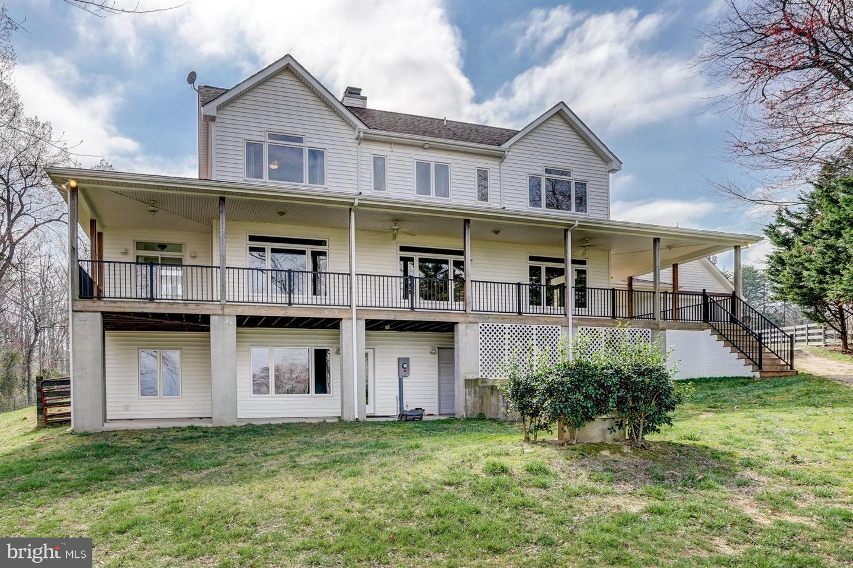 Single Family Homes para Venda às Bumpass, Virginia 23024 Estados Unidos