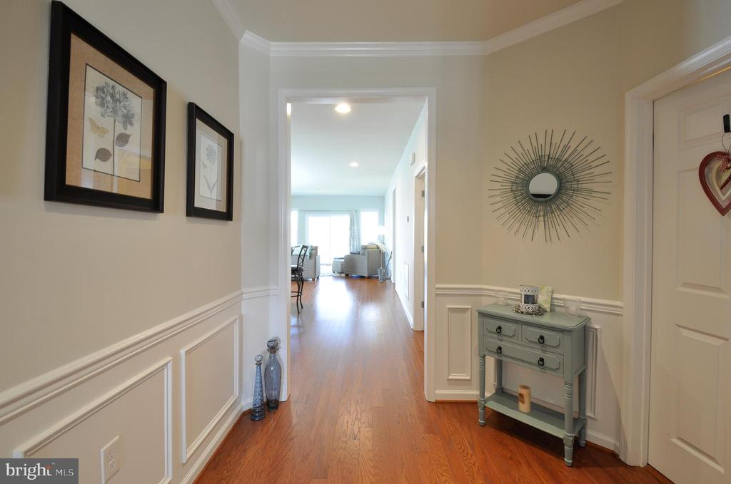Welcoming entry w/ beautiful wall & crown moldings - 219 LONG POINT DR, FREDERICKSBURG