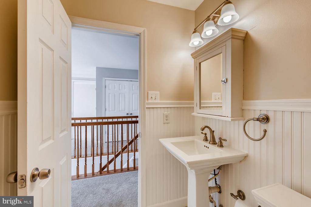 Updated Bathroom w/ Wainscotting - 1104 PARK RIDGE DR, MOUNT AIRY