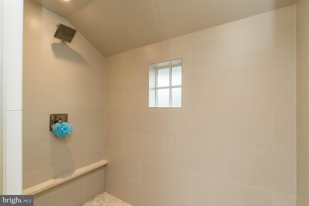 Master shower - 6308 26TH ST N, ARLINGTON