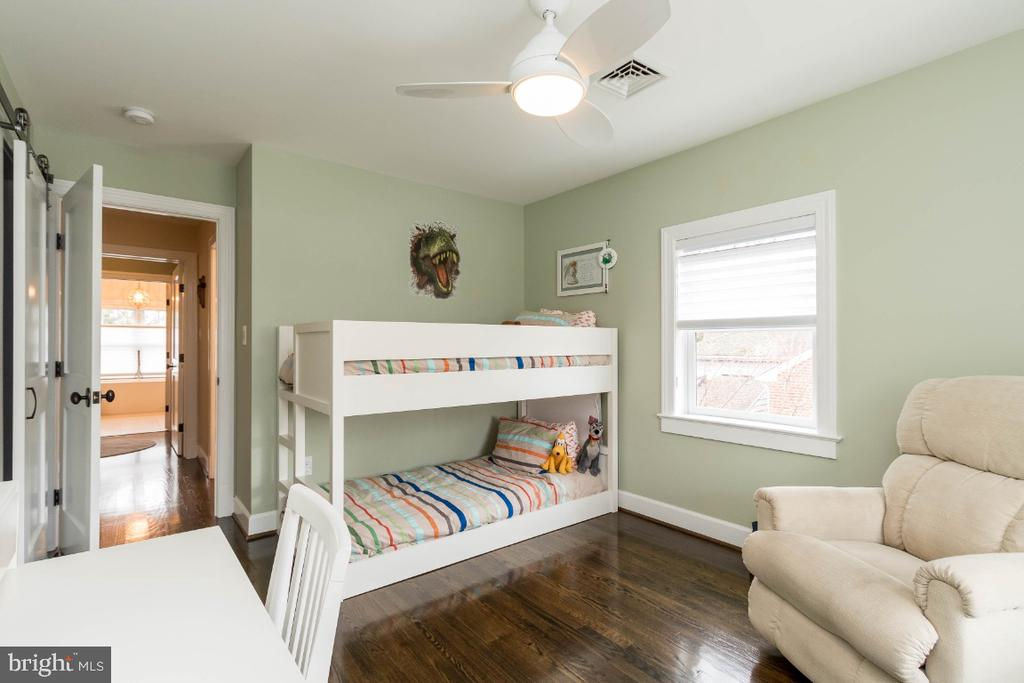 Upper Level bedroom 2 - 6308 26TH ST N, ARLINGTON