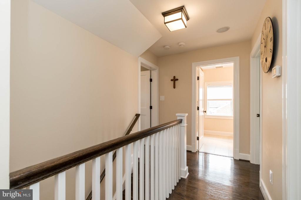 Walkway to upper level - 6308 26TH ST N, ARLINGTON