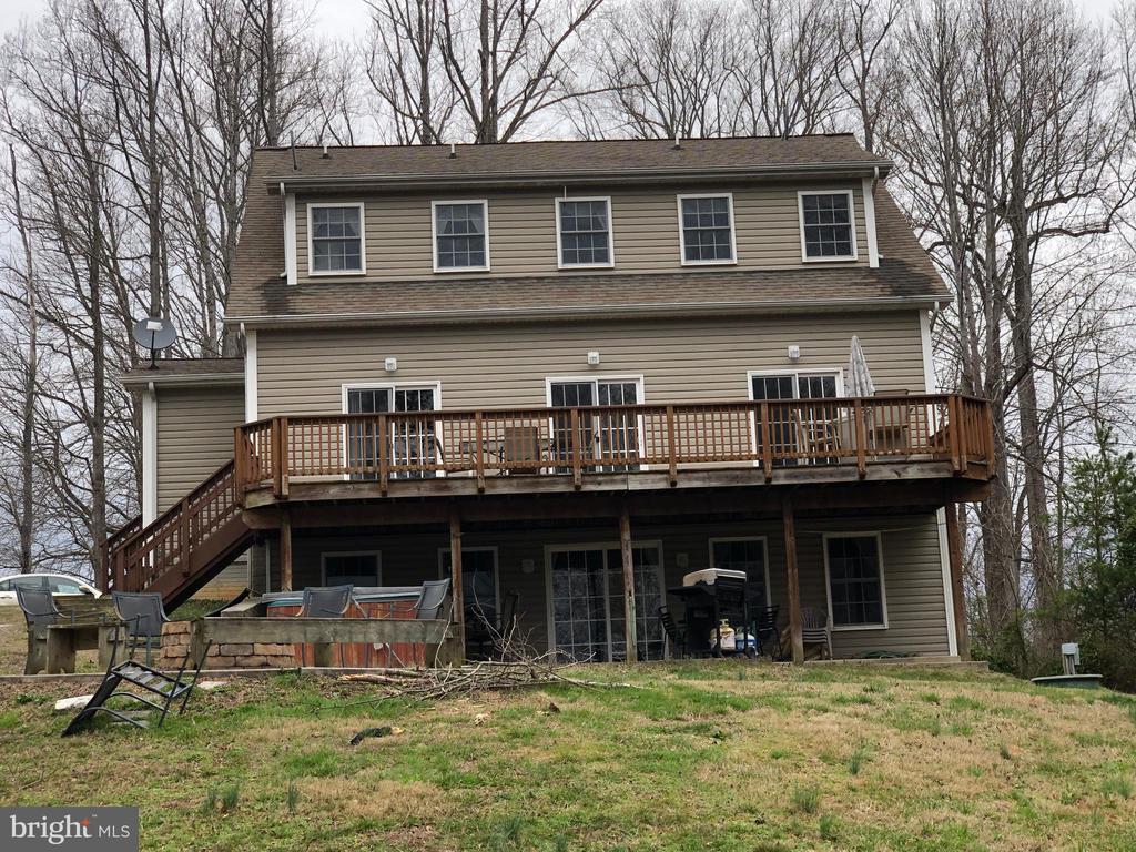Back of the House - 24186 LANDS END DR, ORANGE