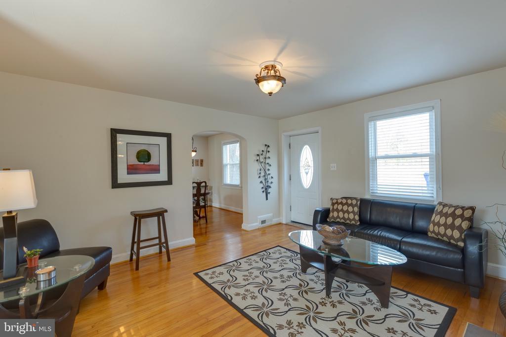 Hardwood floors - 3704 ARLINGTON BLVD, ARLINGTON