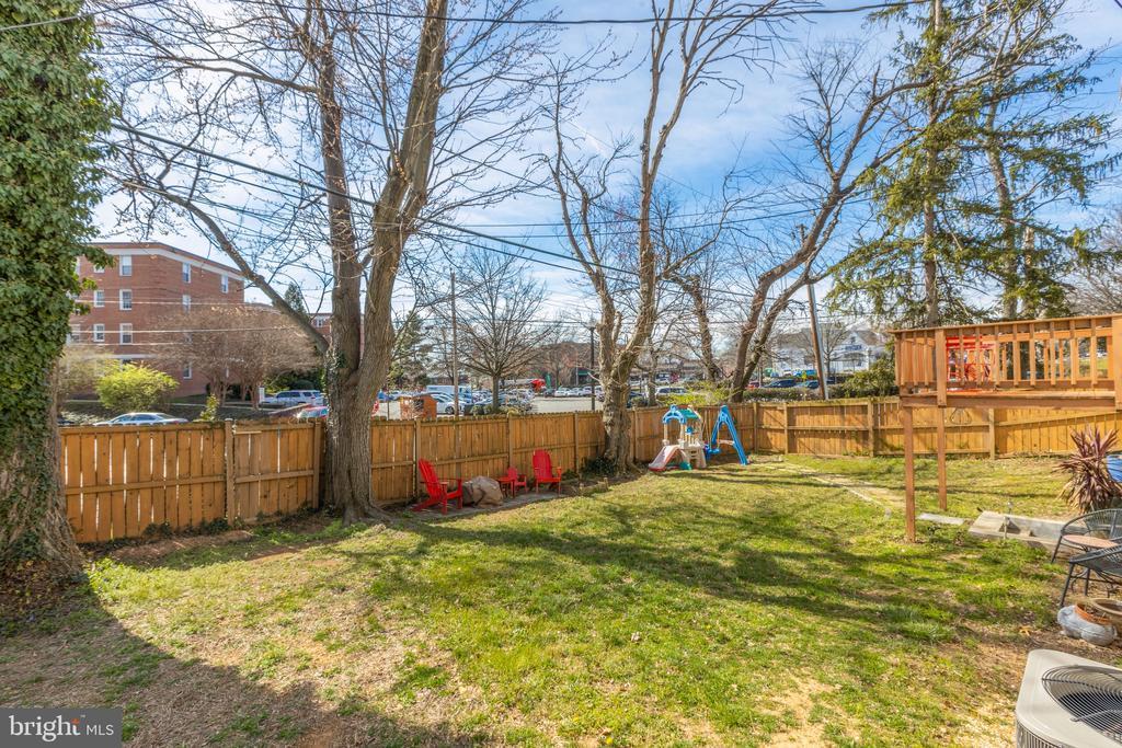 Fully fenced - 3704 ARLINGTON BLVD, ARLINGTON
