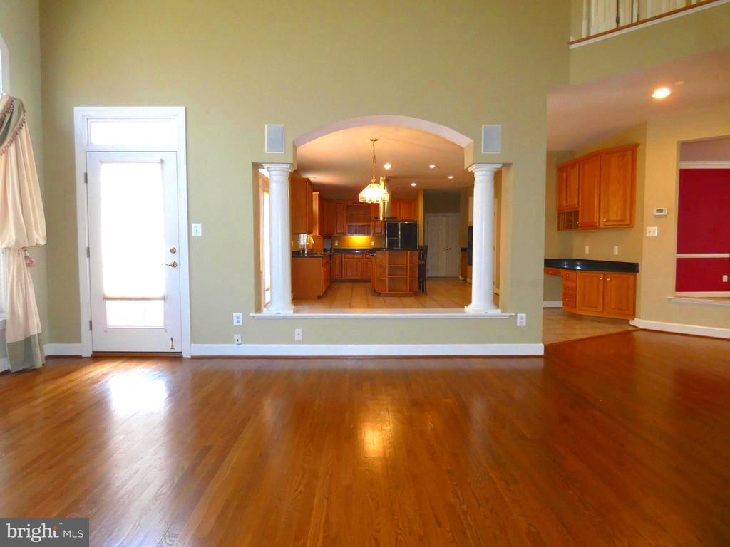 Family Room off Kitchen - 6431 LAKE MEADOW DR, BURKE
