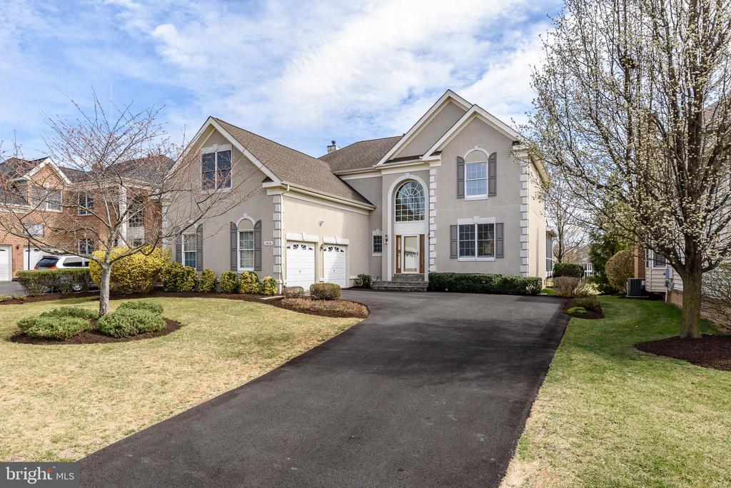 Exterior w/extended Driveway - 19876 BETHPAGE CT, ASHBURN