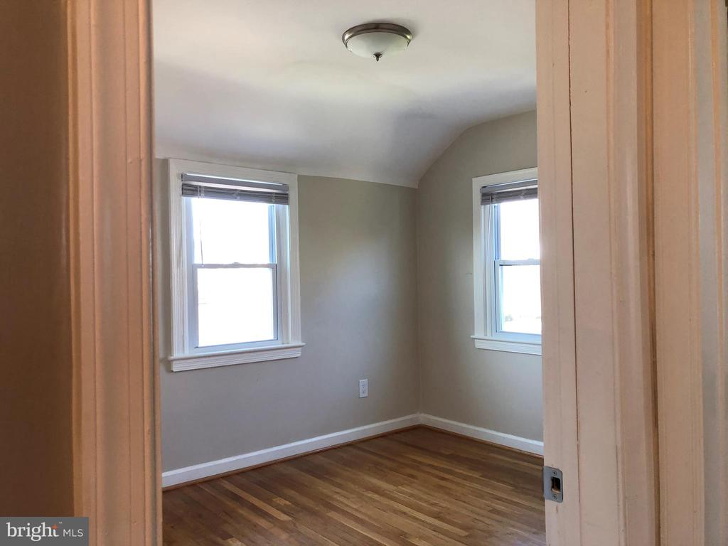 UPPER LEVEL - 2ND BEDROOM - 2809 63RD AVE, CHEVERLY