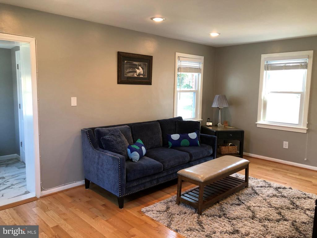 FAMILY ROOM - 2809 63RD AVE, CHEVERLY