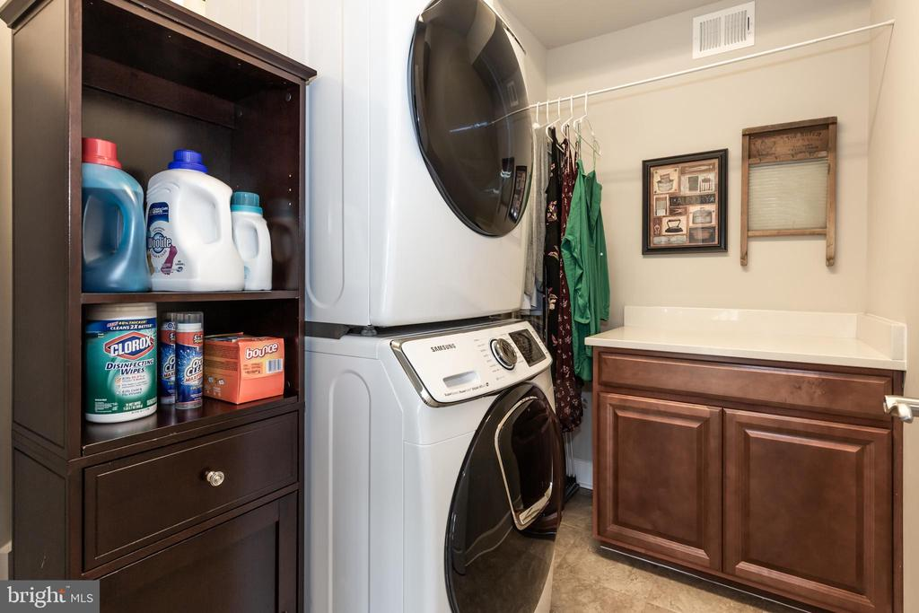 Upstairs laundry - 14515 FALCONAIRE PL, LEESBURG