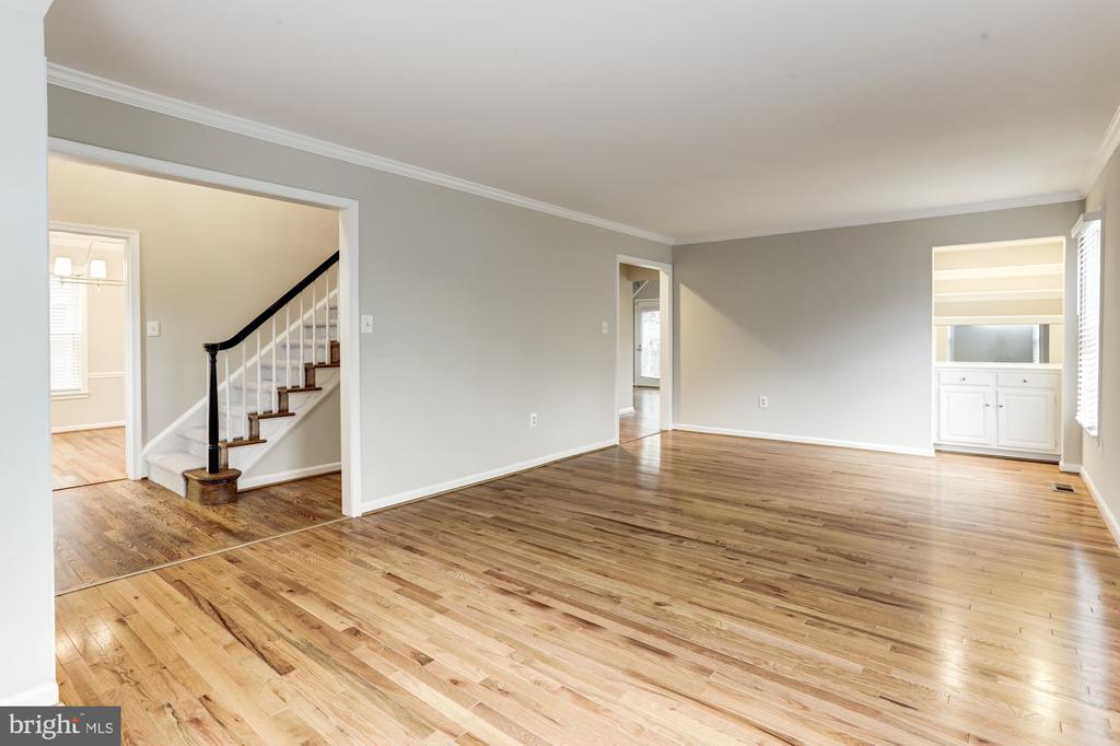Living Room - 115 BILLINGSGATE LN, GAITHERSBURG
