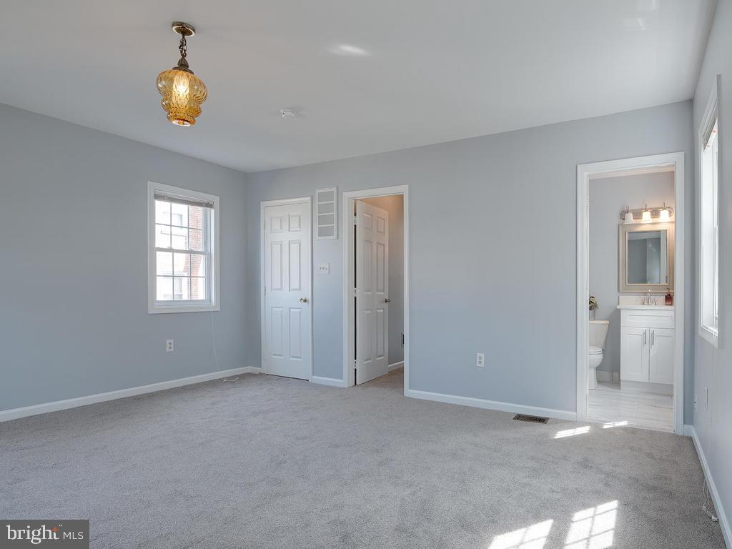 Main Level Master Bedroom - 4812 71ST AVE, HYATTSVILLE