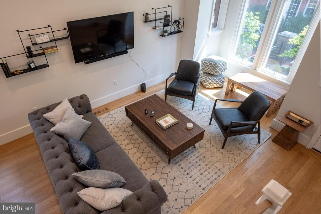 Living room from above. - 413 GUETHLERS WAY SE, WASHINGTON