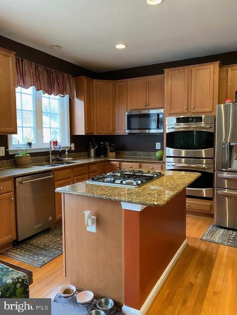 Gas Cooktop and Double Ovens - 15201 HUMBOLT BAY CT, GAINESVILLE